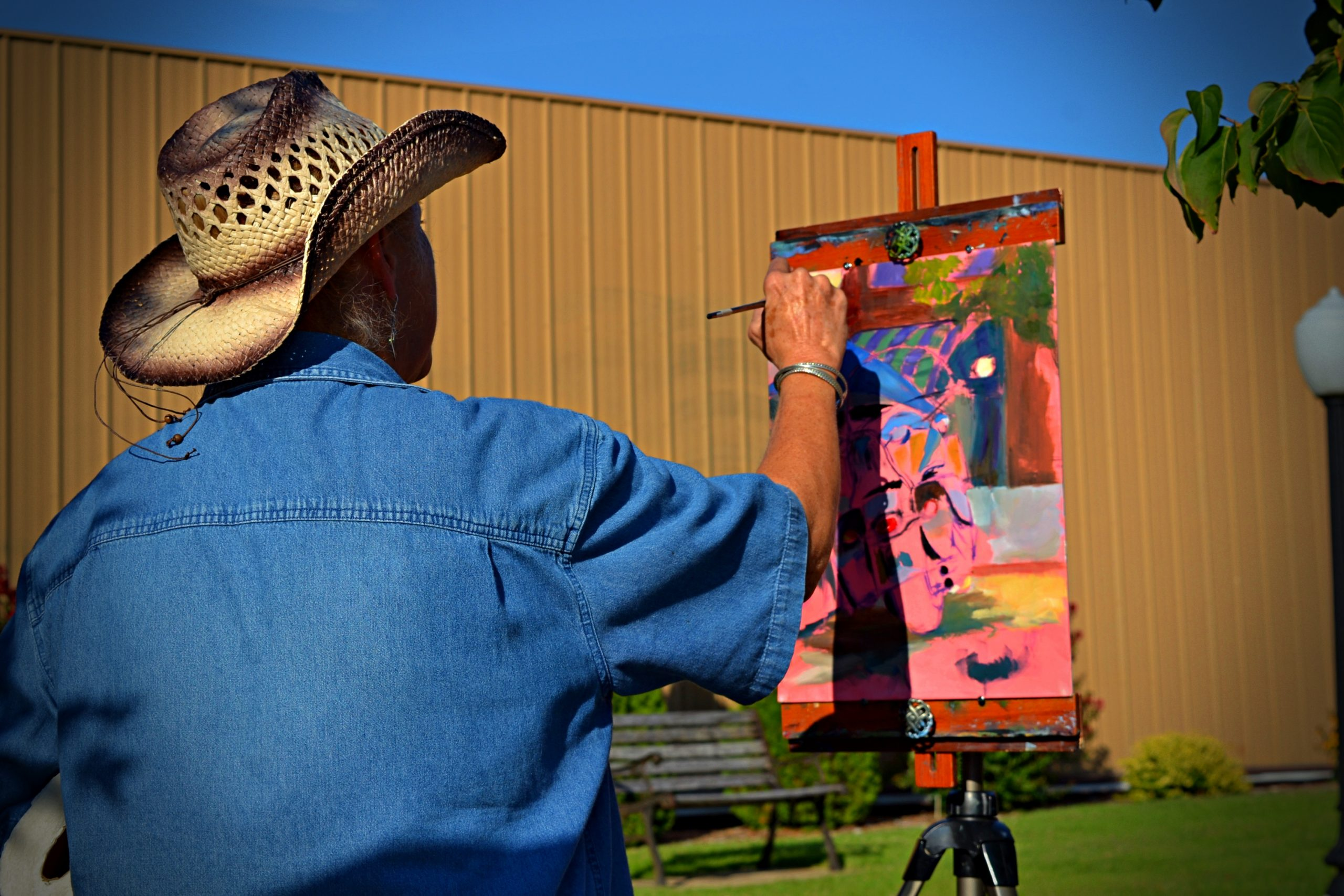 Paint the town Artist working too